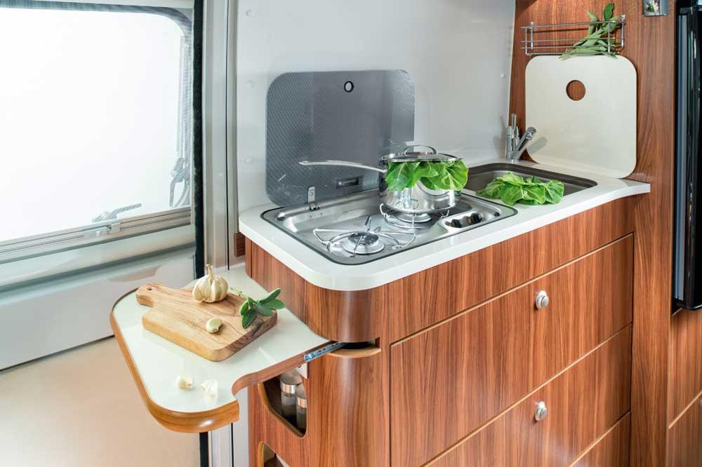 Campingbus Adria Twin 640 Shx Der Erste Van Mit 2 Echten Doppelbetten
