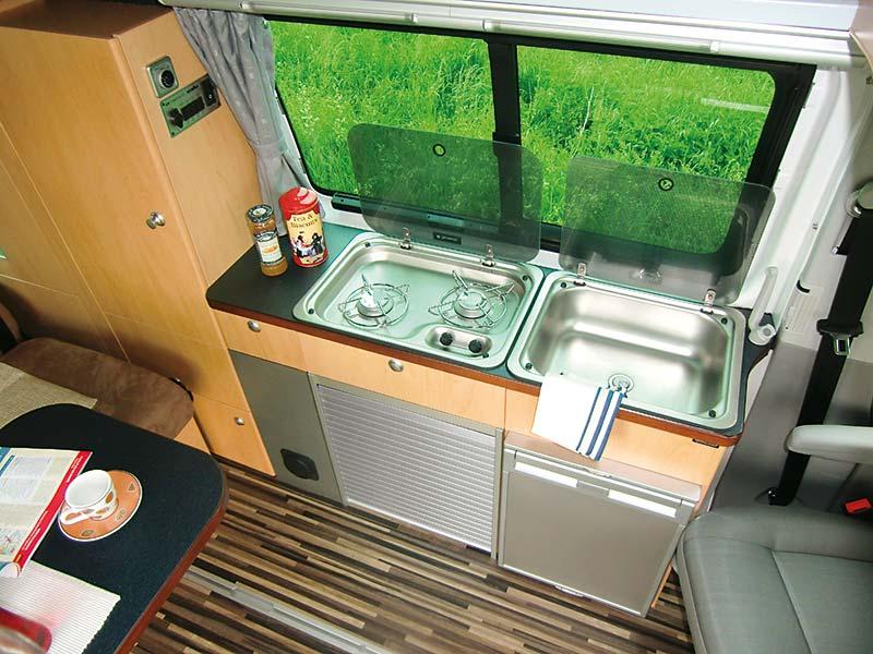 Campingbus Reimo TrioStyle auf VW T5 - 5 Sterne auf Rädern