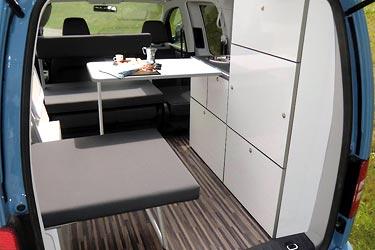 Camp Maxi auf Volkswagen Caddy - Innenraum in Wohnstellung
