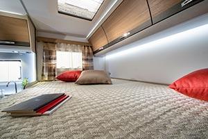 Adria Compact SP: Doppelbett im Heck