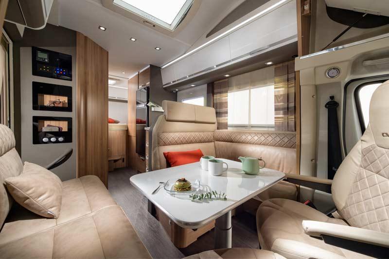 Alkoven wohnmobil coral xl f r den urlaub mit der familie for Wohnmobil innendesign