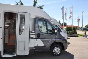 wohnmobil und wohnwagen mieten in offenburg freiburg. Black Bedroom Furniture Sets. Home Design Ideas
